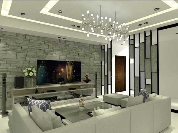 فضای اتاق نشیمن با دکوراسیون به سبک مدرن و مبلمان راحتی طوسی و یک تلویزیون ال ای دی بزرگ و یک گلدان برزگ در کنار تلویزیون بر روی میز دارای تجهیزات جانبی با یک لوستر مدرن